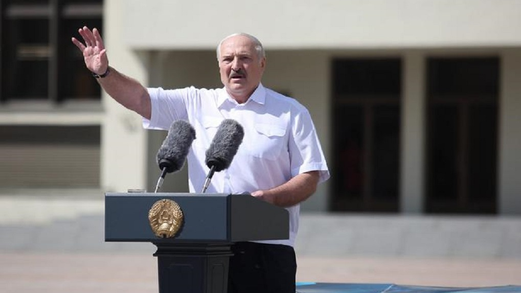 «Замок на ворота». Лукашенко приказал закрыть бастующие предприятия Беларуси