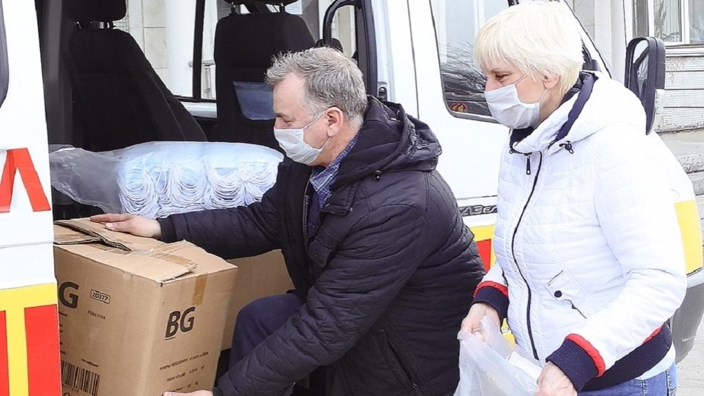 Главные изделия для борьбы с коронавирусом выдали школам и детским садам Новосибирска