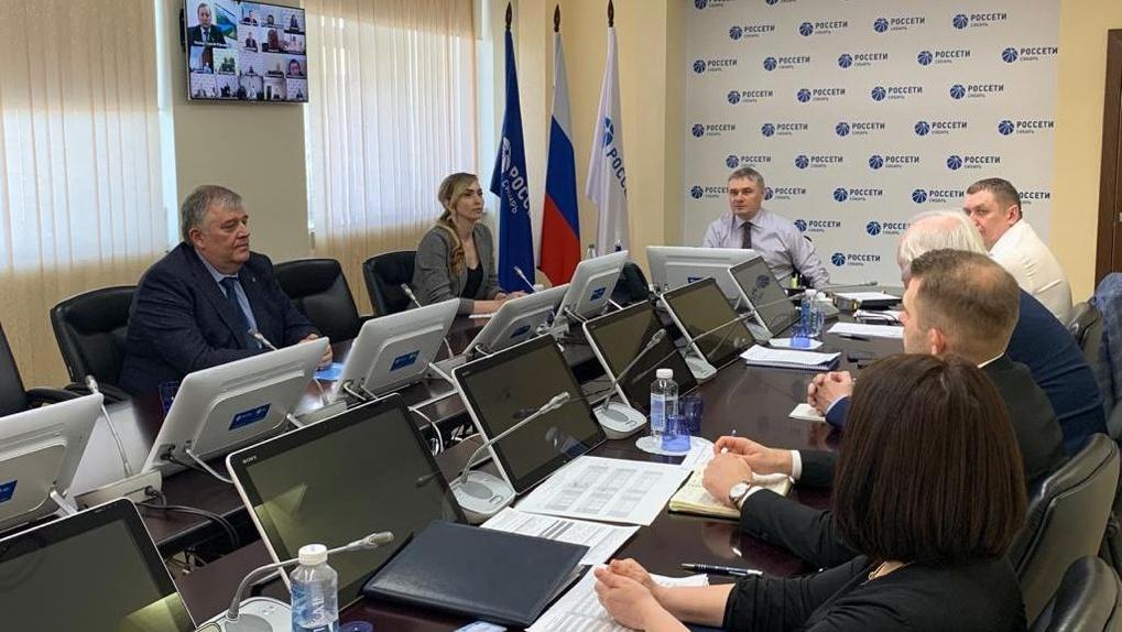 Энергетики взяли под особый контроль электроснабжение больниц и объектов сотовой связи в Омской области