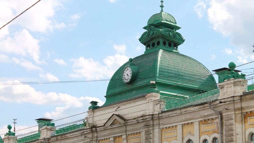 Старинные часы на Любинском проспекте остались без звука