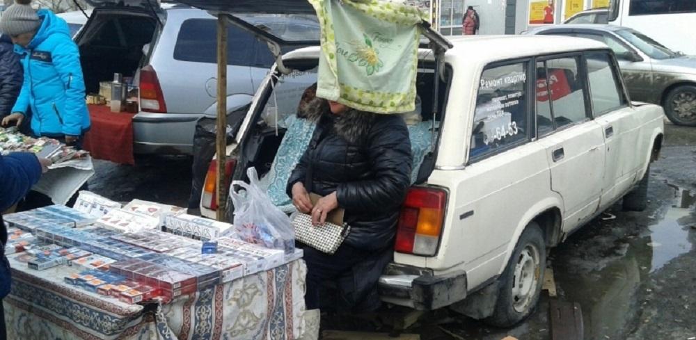 Полиция поймала в Омске двух продавцов контрафактных сигарет