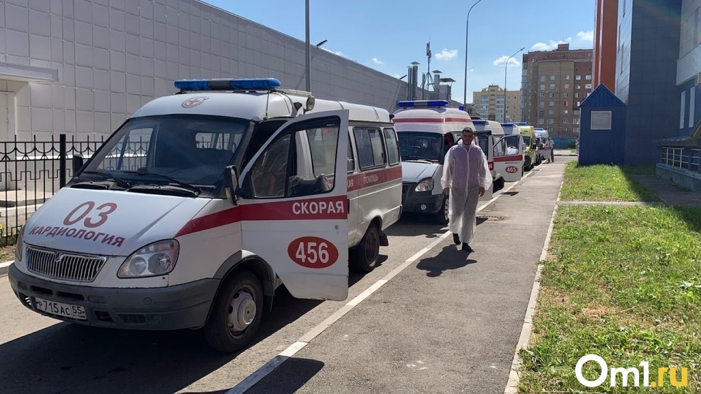 Омичку с подозрением на COVID-19 три раза отказывались класть в больницу
