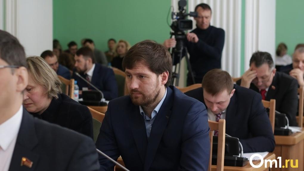 «Со мной может произойти все что угодно». Омский депутат Петренко узнал о лишении его прав из СМИ