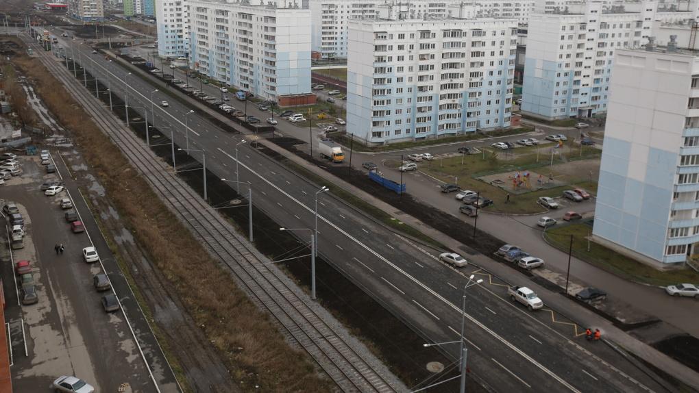 В Новосибирске досрочно построили 760 метров дороги на улице Титова