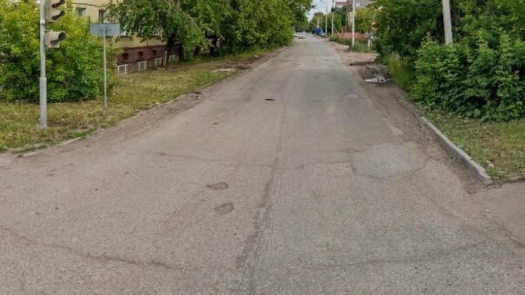 Администрация Омска не отремонтировала дорогу, потому что не смогла ее найти
