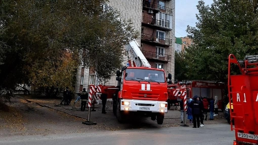 Чуть не сгорели 80 человек. В Омской области за выходные случилось 36 пожаров