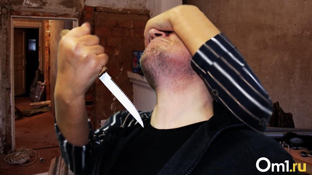 Новосибирец воткнул нож в шею незнакомца средь бела дня