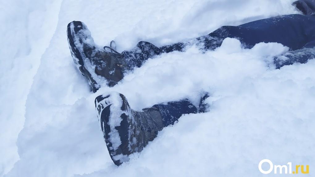 Омичи всю зиму ходили мимо разлагающегося трупа мужчины
