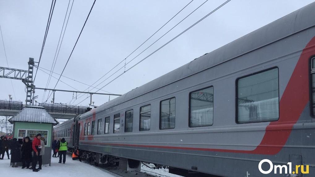 В поездах до Новосибирска и Омска запретят ездить на верхних полках