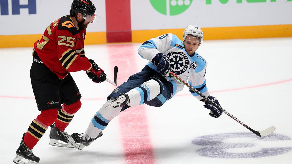 Омский «Авангард» обыграл «Сибирь» и начал сезон КХЛ с трудной победы в дерби