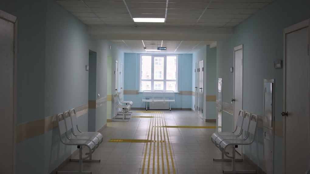Бурков жестко раскритиковал омский Минздрав за отношение к лечению онкобольных