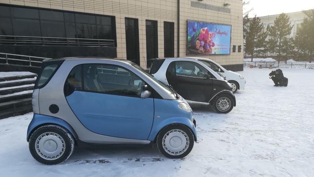 В Омске прошел кастинг автомобилей, которые «выступят» на сцене филармонии