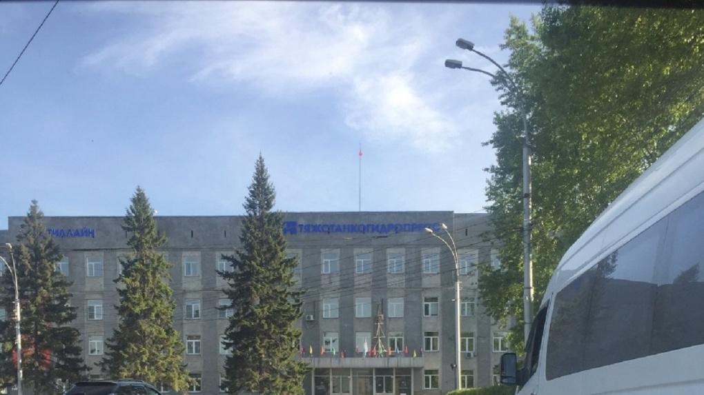 Названы сроки выплаты зарплат работникам новосибирского скандального завода «Тяжстанкогидропресса»