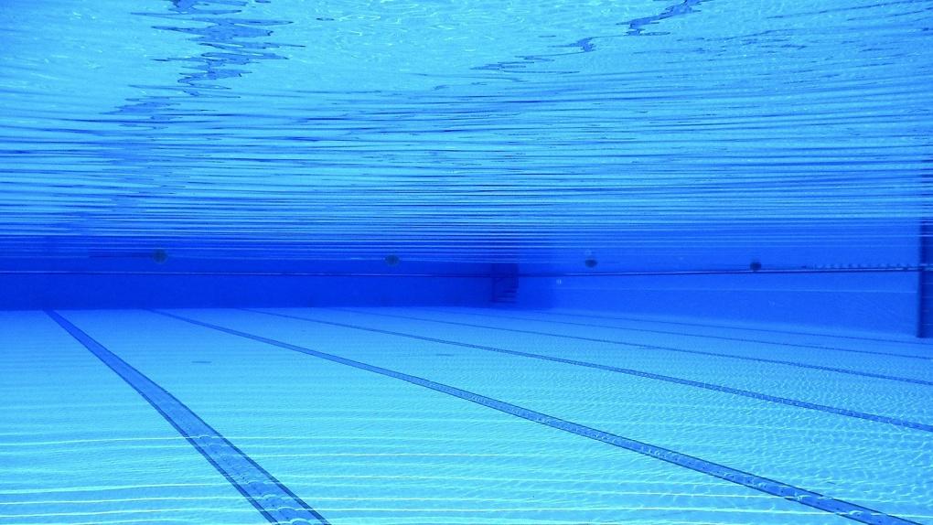 В Омске продаётся бассейн с двумя саунами и русской баней за 35 миллионов рублей