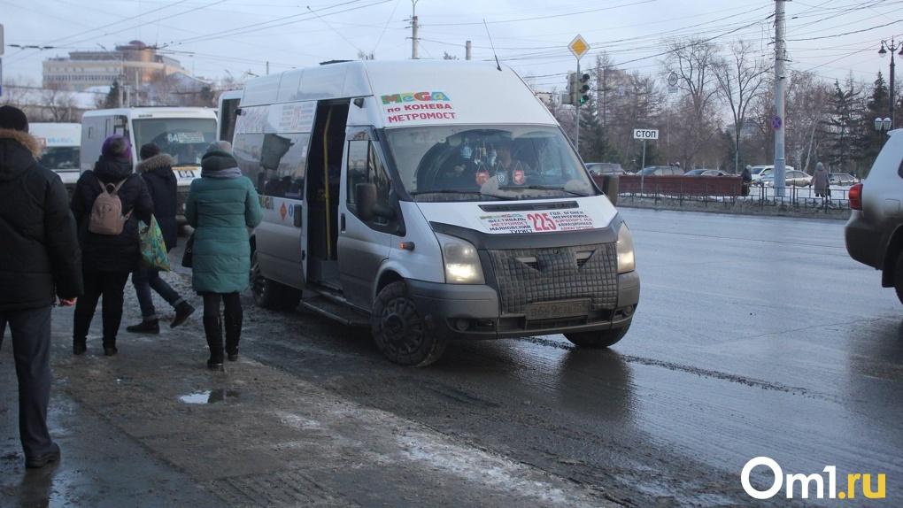 Владимир Геворгян заявил, что никакой забастовки омских маршрутчиков он не допустит