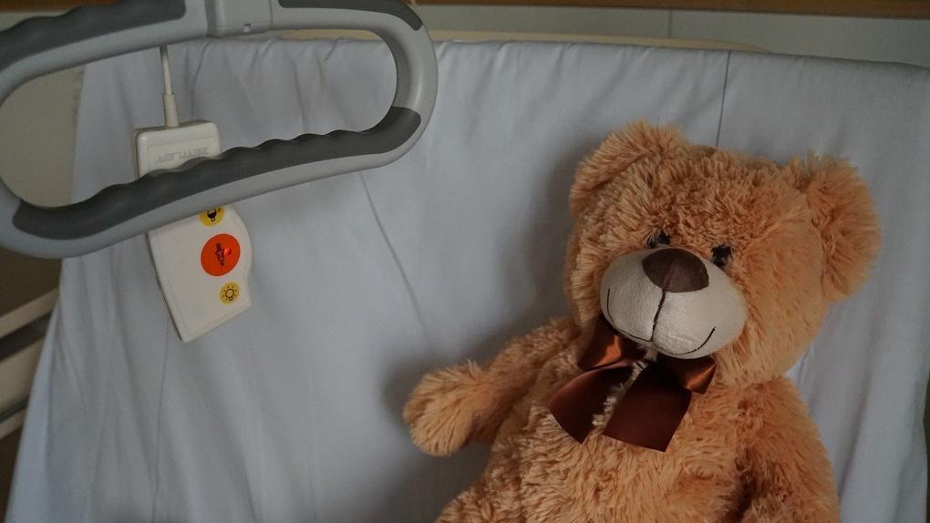 «Красный зрачок, как на фото»: омский онколог рассказал о признаках рака у детей
