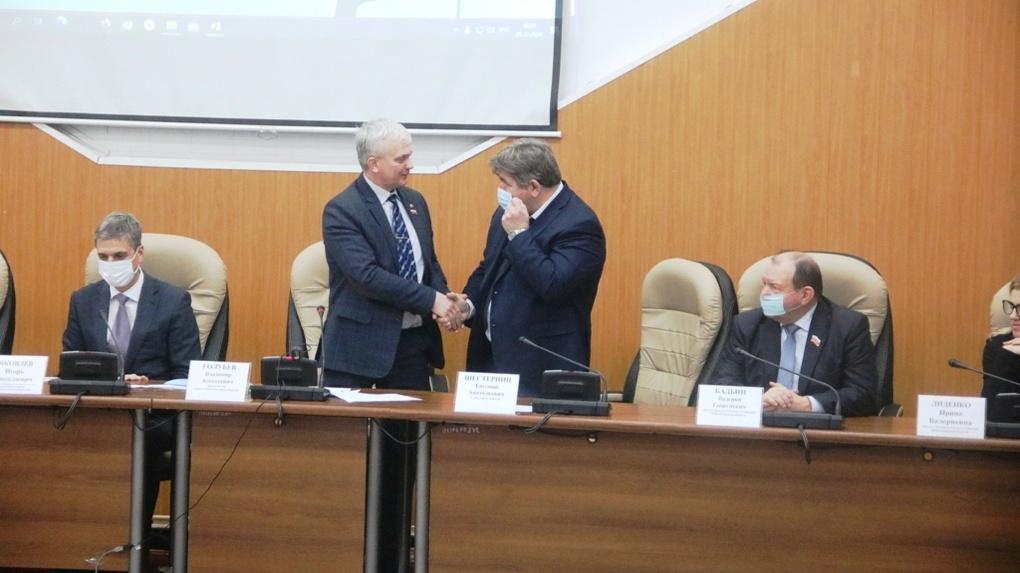 Евгений Шестернин повторно избран мэром Бердска в Новосибирской области