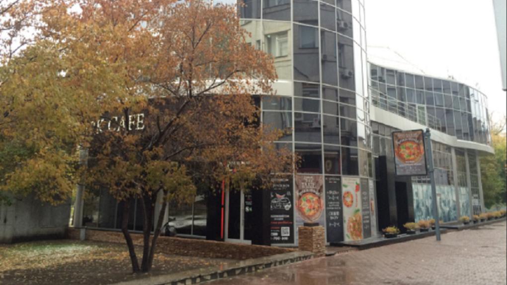 Мэрии Новосибирска удалось добиться сноса Park Cafe в Первомайском сквере