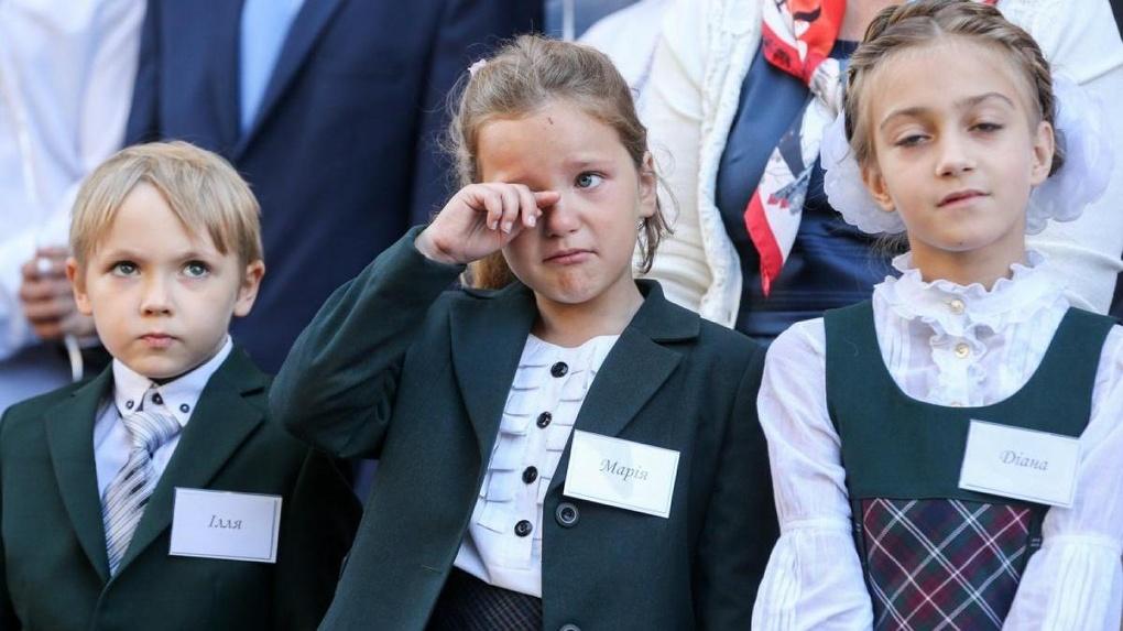 В Новосибирске отменили школьные линейки