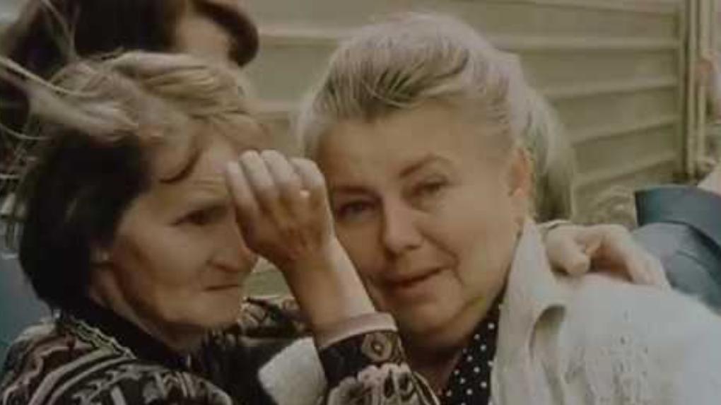 Новосибирцам предлагают отыскать себя на хронике 2000 года, снятой на вокзале Новосибирск-Главный