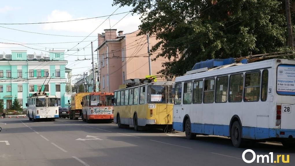 В Омск привезли партию новых троллейбусов «Адмирал»