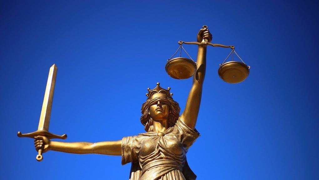 Опубликована зарплата омских судей. Средний доход – в 10 раз больше, чем у простых омичей