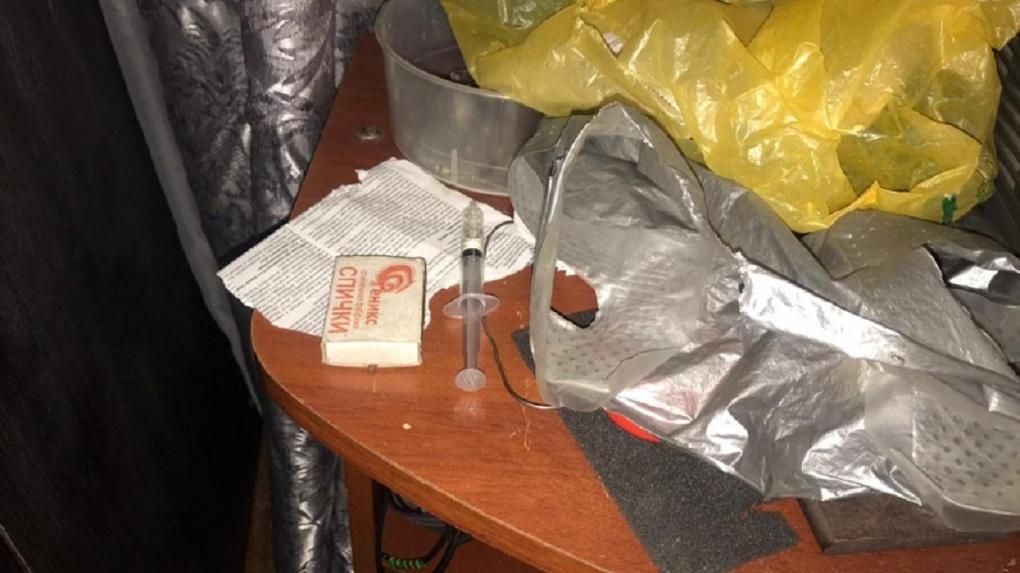 Под Новосибирском накрыли наркопритон