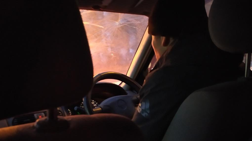 Новосибирский таксист рассказал, почему водители не берут заказы «туда и обратно»