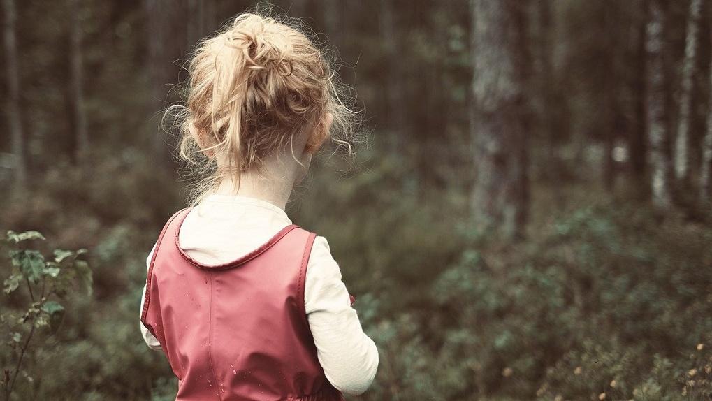 Маленькая омичка в летнем платье пропала во время ливня
