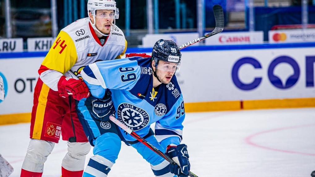 Новосибирская хоккейная команда провалила пятый матч подряд в КХЛ: публикуем яркие фото