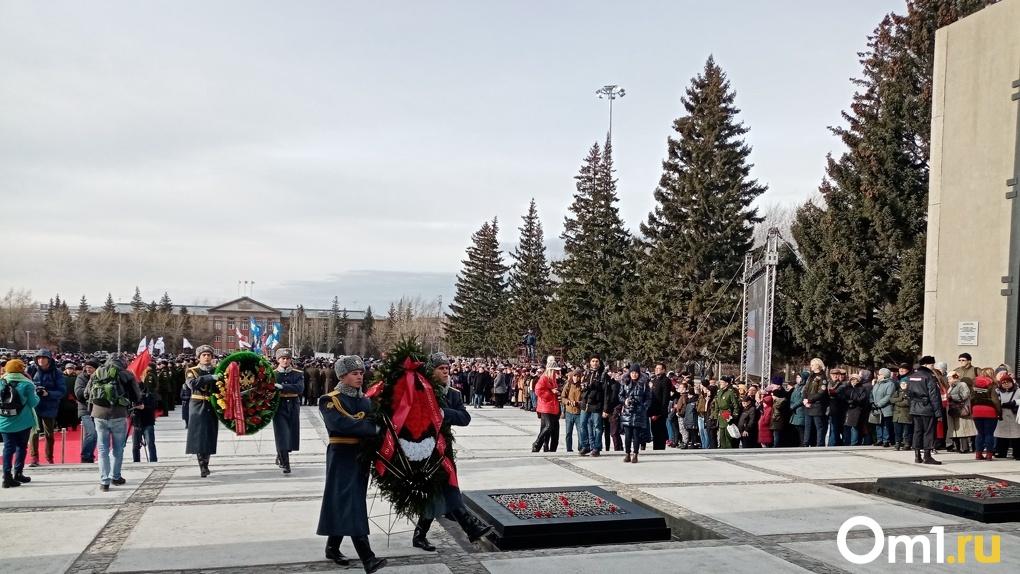 Мэр Новосибирска рассказал, почему погасший огонь на Монументе Славы нанес ему психологическую травму
