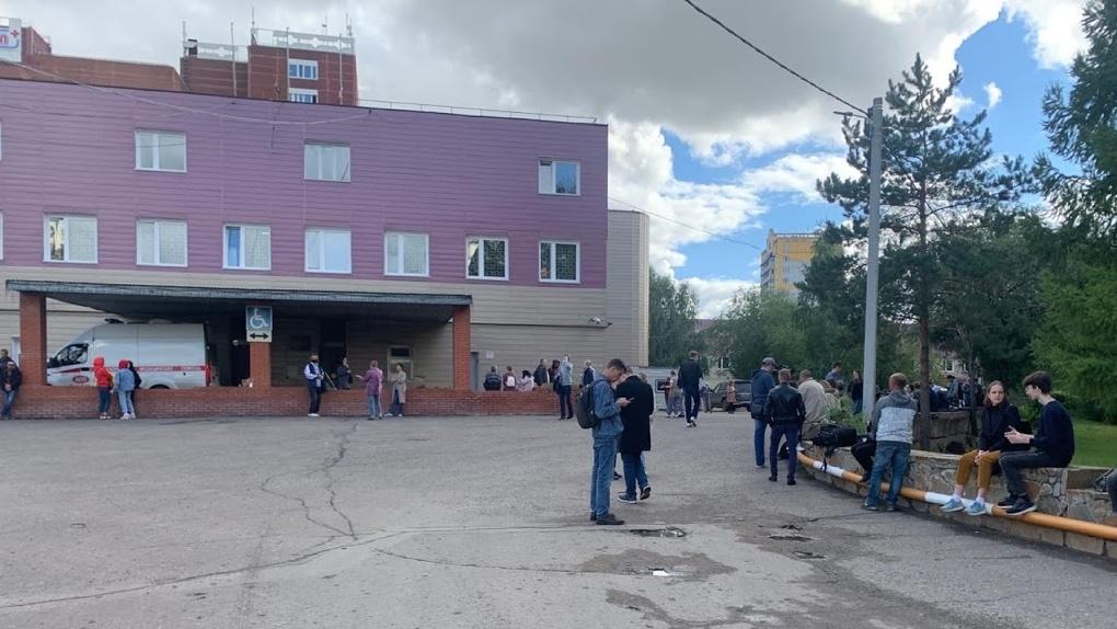 Омские медики объяснили состояние туалета в БСМП №1, где спасали жизнь Навальному