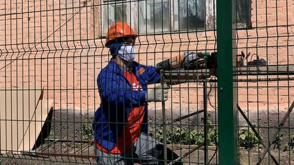 К строительству военного госпиталя для больных коронавирусом в Омске привлекли студентов