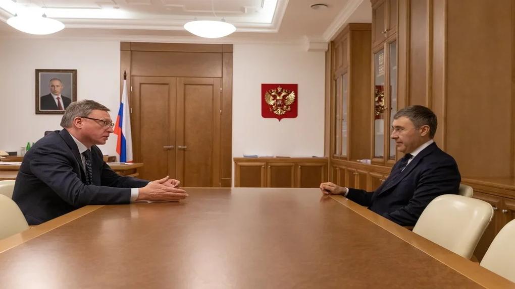 Омский губернатор Бурков встретился с главой Минобрнауки Фальковым