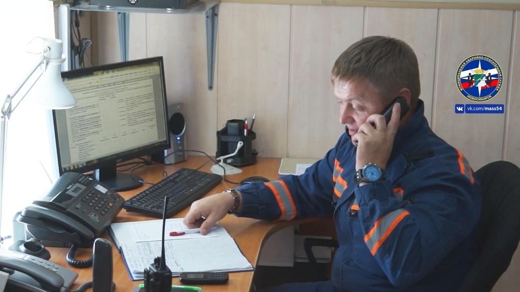 Днём вышел из дома и исчез: в Новосибирске ищут мужчину с дефектом мизинца