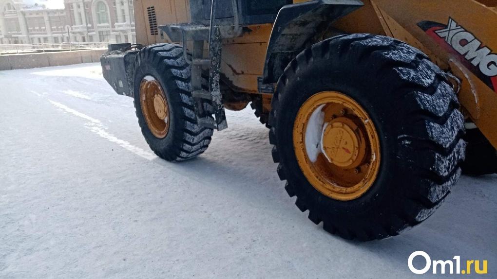Для вывоза снега из Новосибирска привлекают дополнительные самосвалы