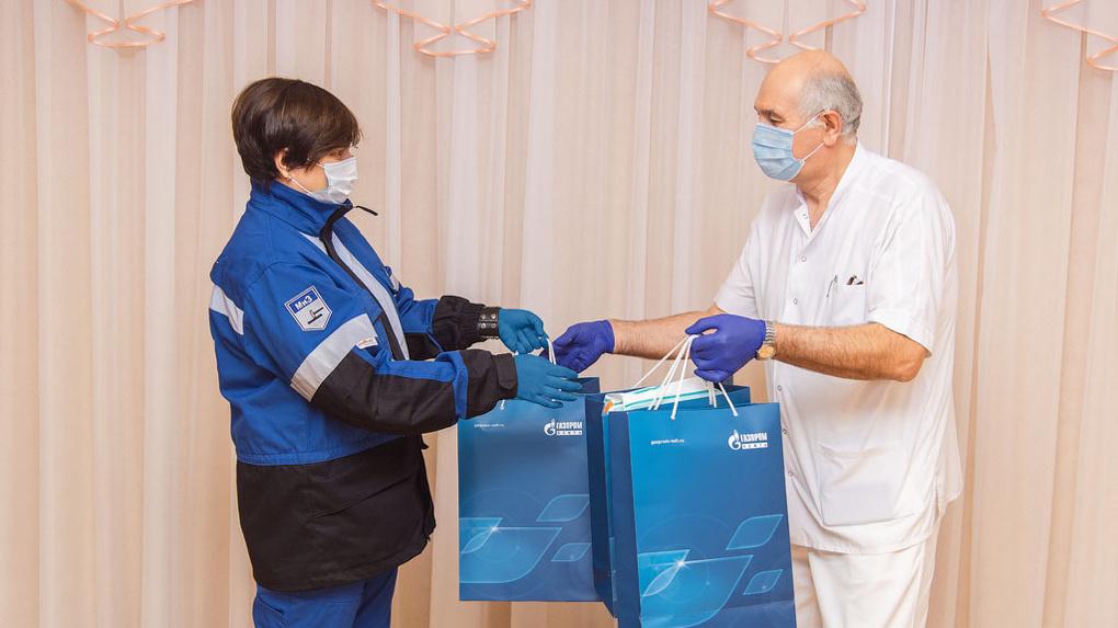 Волонтеры ОНПЗ передали подарки воспитанникам специализированного дома ребенка