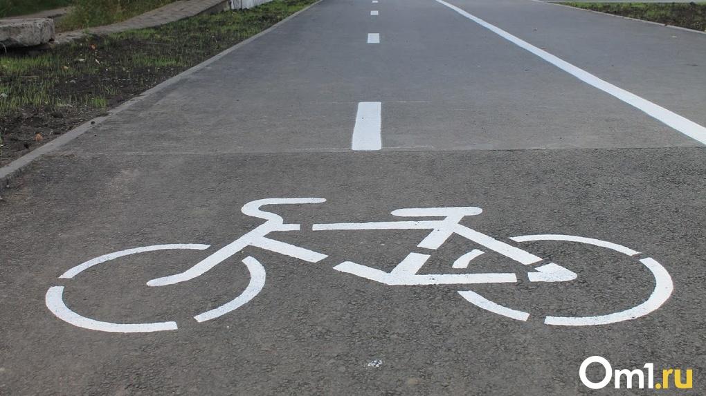 Под Омском велосипедист скончался под колёсами грузовика