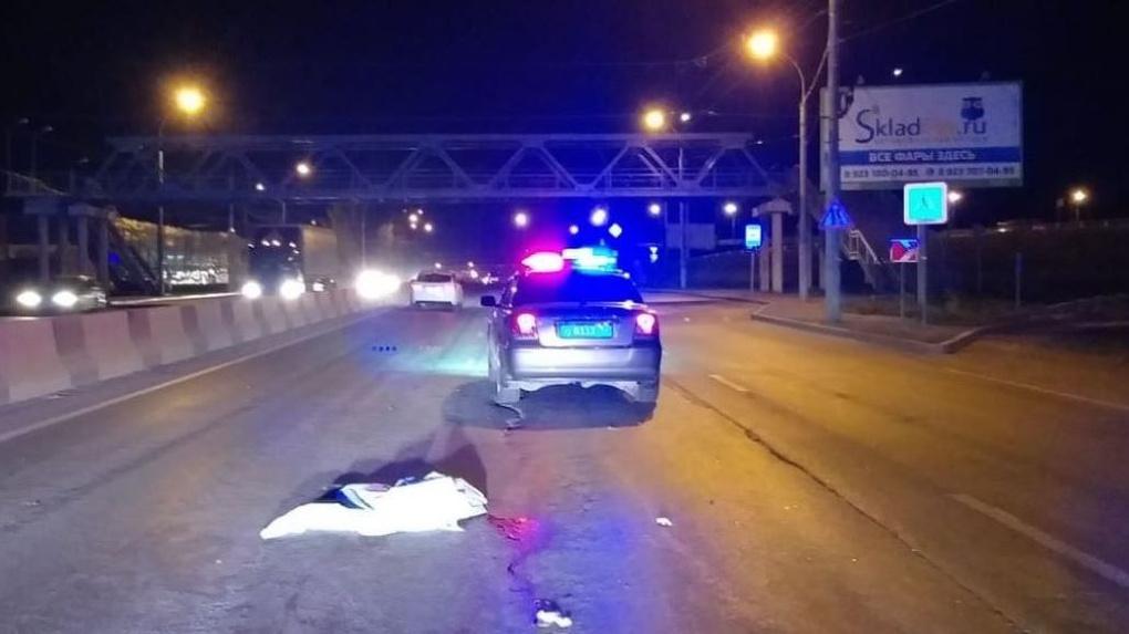 В Новосибирске 23-летний водитель насмерть сбил девушку и скрылся с места ДТП
