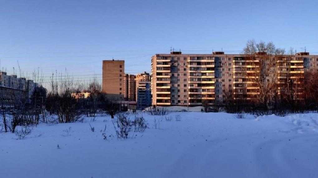 Мэрия Новосибирска без торгов продала участок сквера в Академгмородке