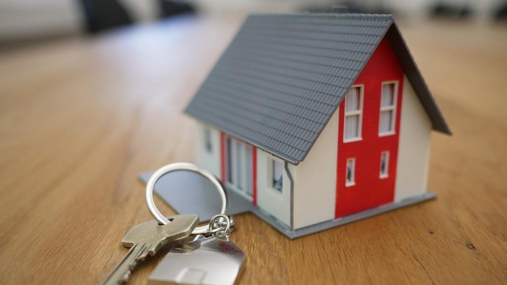 Стало известно, кто из омичей может оформить ипотеку под 3,1 %