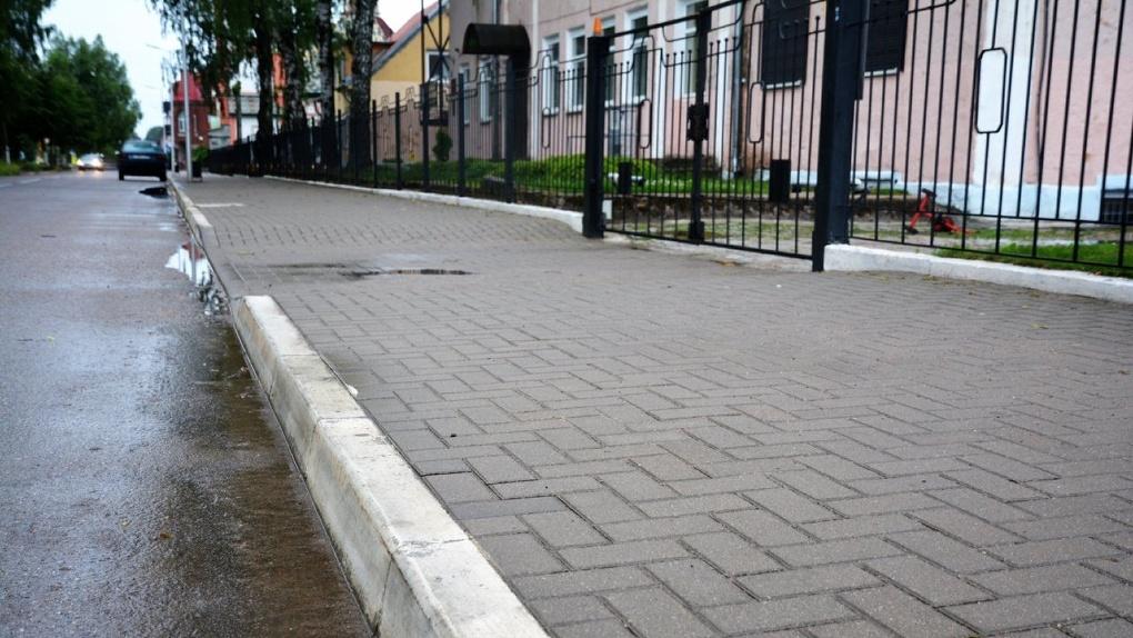 В Омске осталось отремонтировать всего 4 тротуара — мэрия