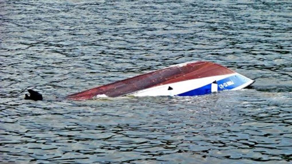 В Бердске нашли привязанный к лодке труп рыбака