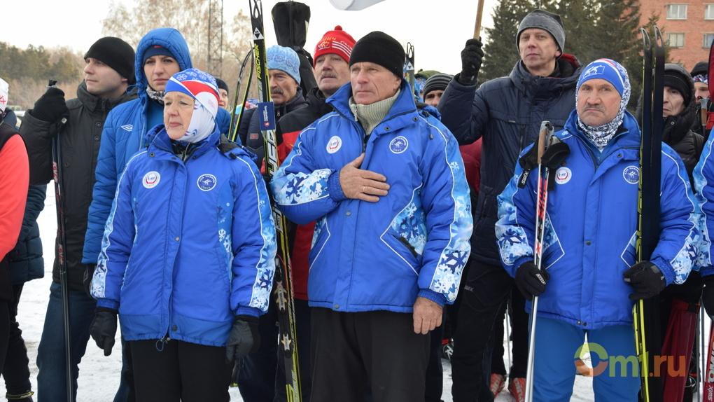 Глава Омской области Бурков требует разрешить пожилым лыжникам кататься бесплатно