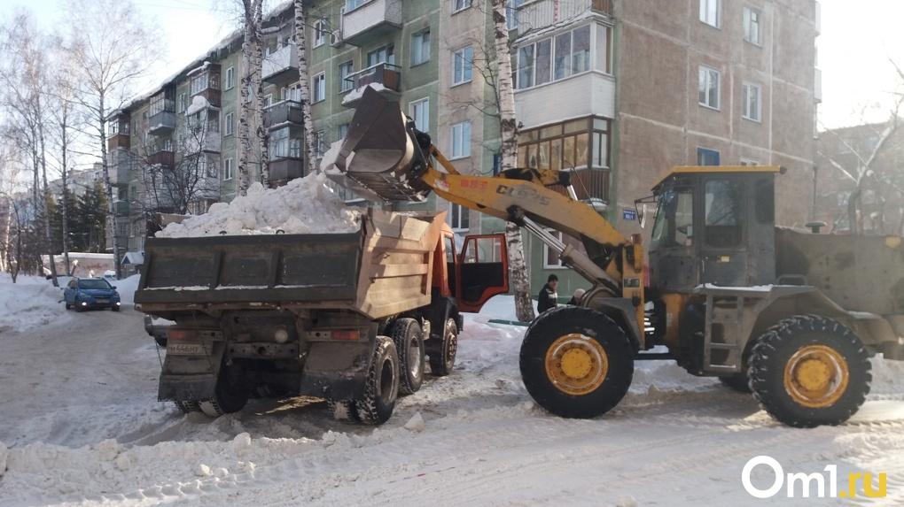 17 тысяч вёдер снега вывезли с улиц Новосибирска за сутки