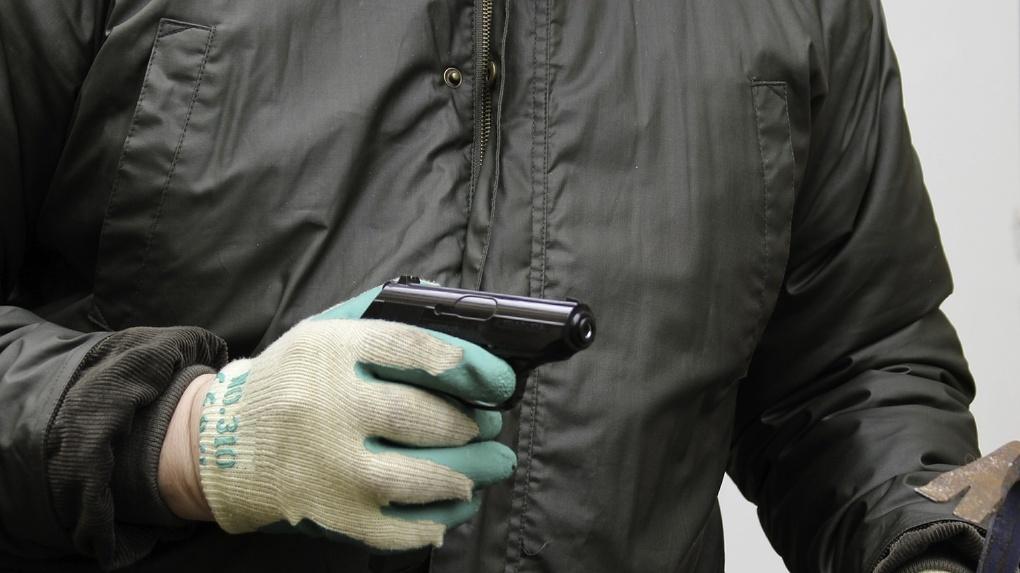 Омич с пистолетом пытался ограбить банк