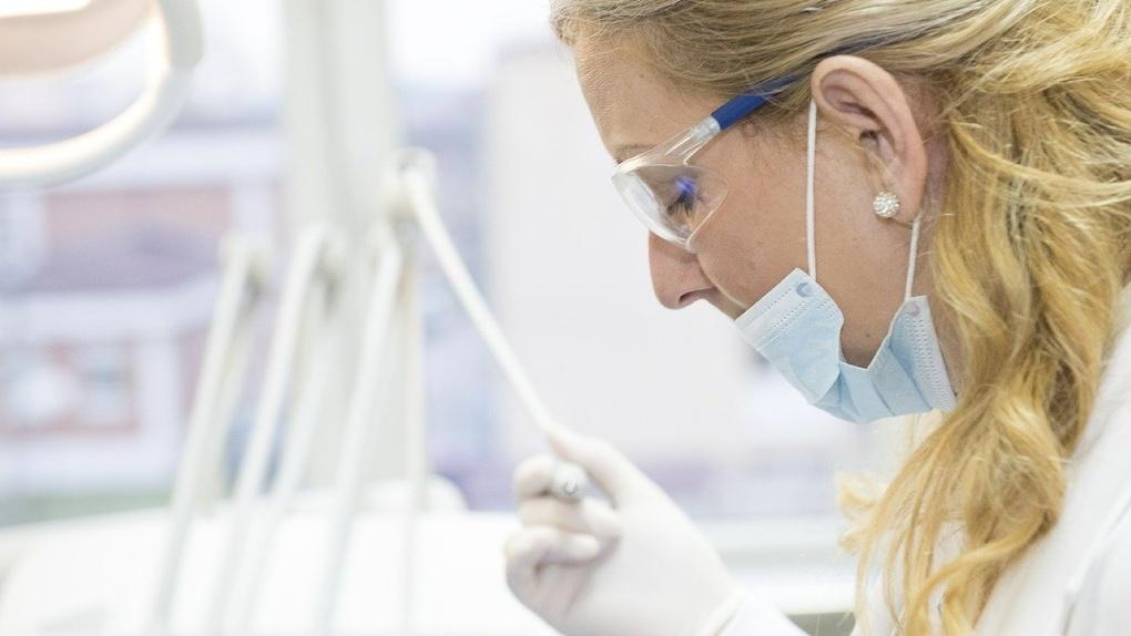 Новосибирцы жалуются на отсутствие лечения от коронавируса