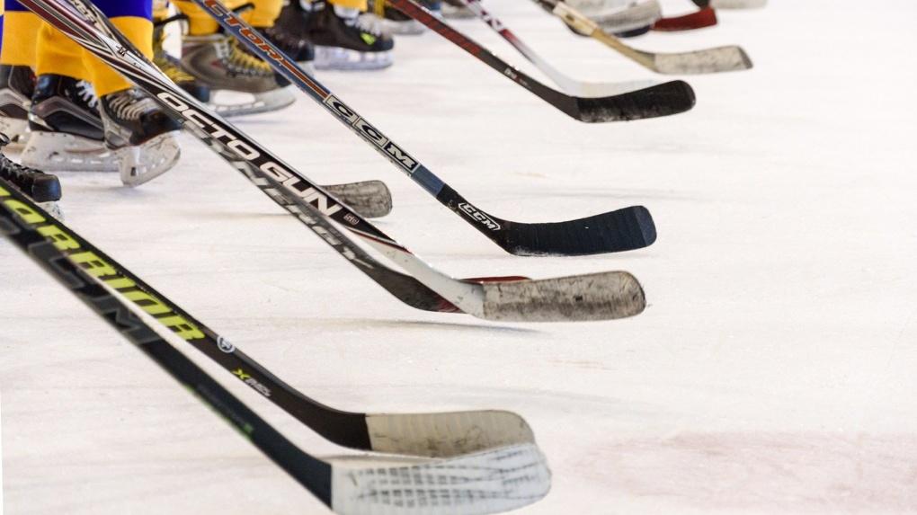 Новосибирская хоккейная команда разгромила омичей в матче посвящённом МЧМ-2023