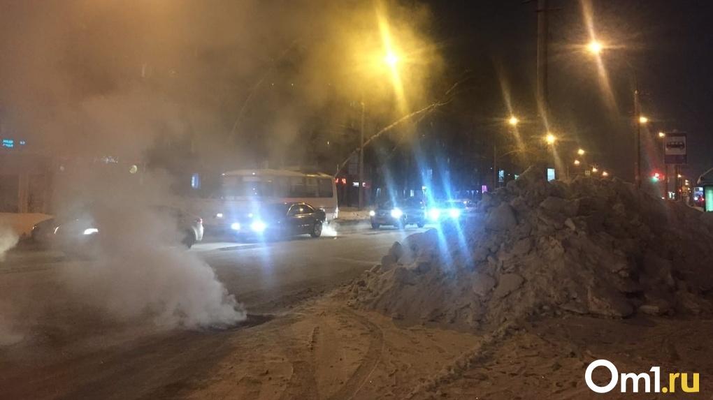 В Новосибирской области объявили штормовое предупреждение из-за аномального снегопада