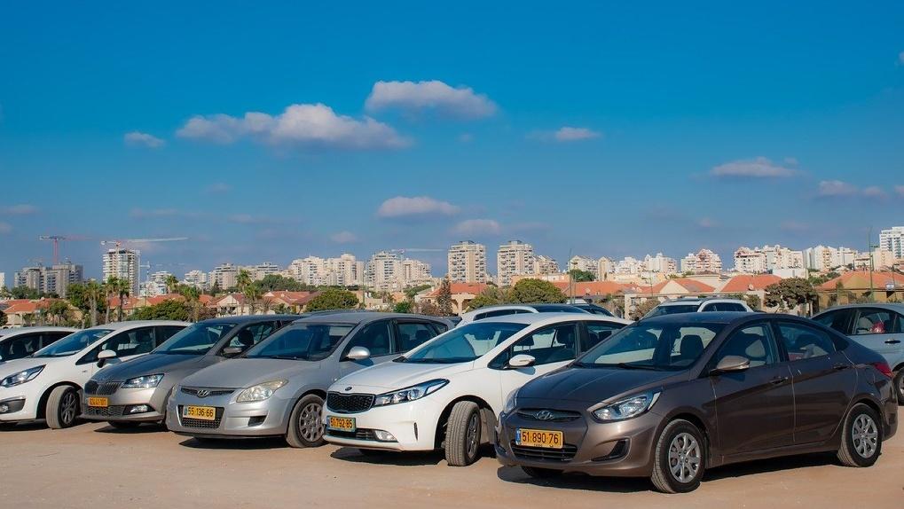 Парковки на Красном проспекте на время работы в тестовом режиме будут бесплатными